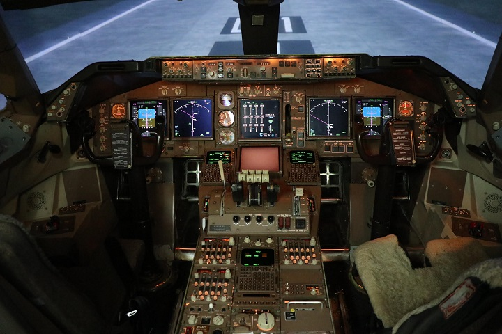 Boeing 747 Flight Deck